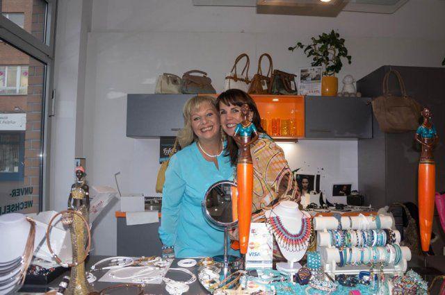 Austellerinnen beim Eventshopping von DOCHOWs Küchen mit Geschmack in Berlin