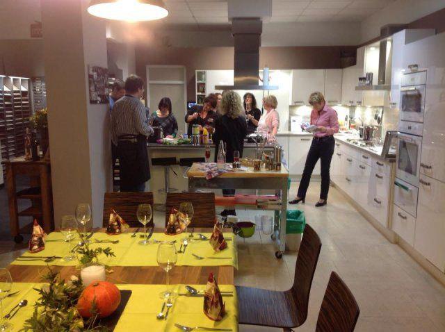 Gedeckter Tisch beim Kochevent Herbstküche bei DOCHOWs Küchen mit Geschmack in Berlin