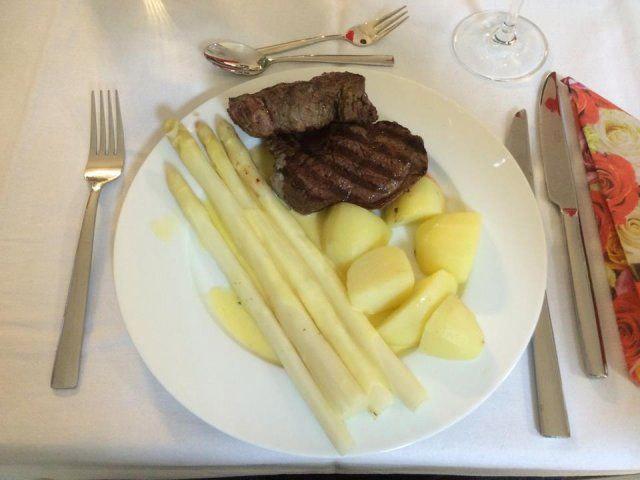 Hauptgang beim Maibock Kochevent bei DOCHOWs Küchen mit Geschmack in Berlin