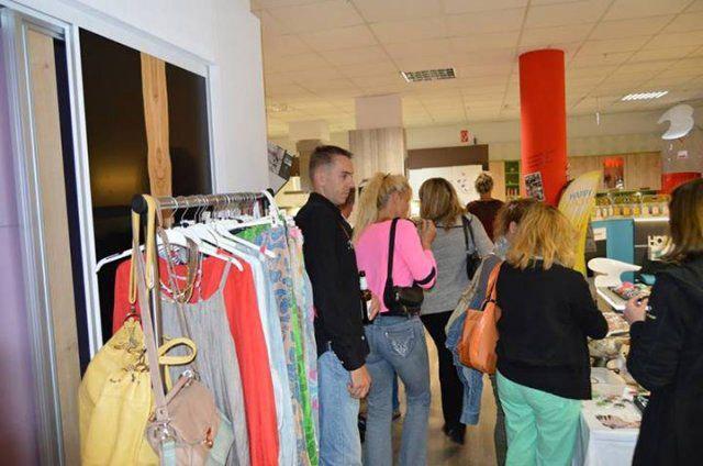 Shopping beim Eventshopping von DOCHOWs Küchen mit Geschmack in Berlin