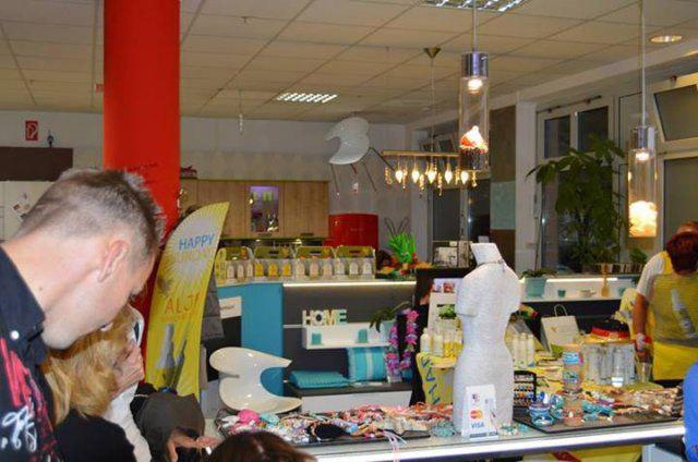 Stände beim Eventshopping von DOCHOWs Küchen mit Geschmack in Berlin