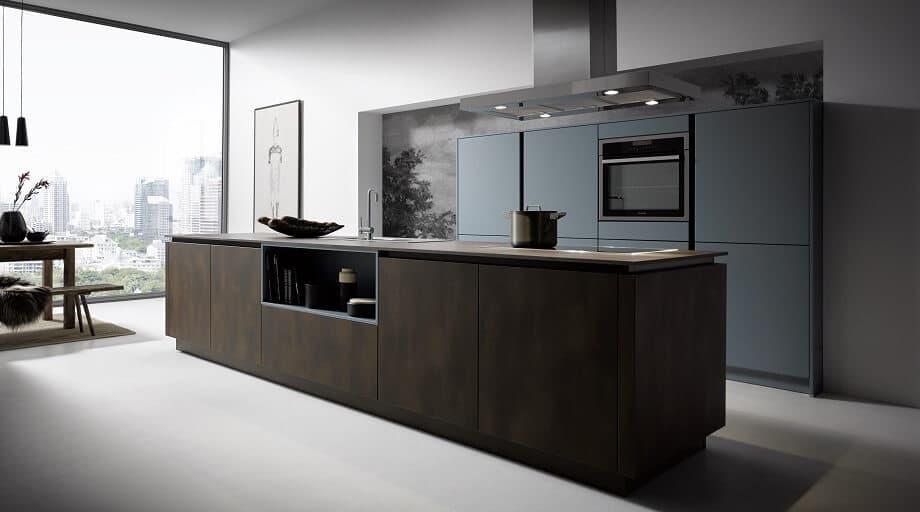 Design-Küche modern und dunkel beim Küchenanbieter DOCHOWs Berlin